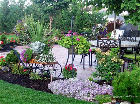 25 best ideas about patio ideas on pinterest patio best 25 landscaping around patio ideas on pinterest