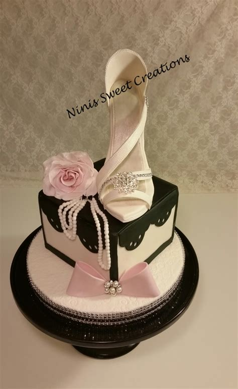 cakes shoes white fondant shoe cake cakecentral