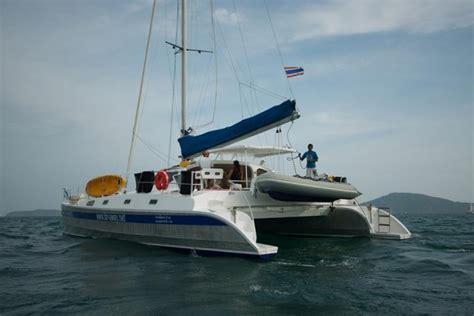 catamaran sailing from start to finish aluminium 48 charter crewedboat catamaran