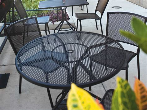 Patio Furniture Massachusetts by Woodard Mesh Wrought Iron 48 Table With Umbrella