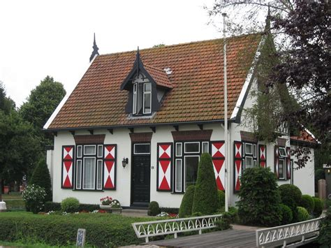 Traditional House Designs panoramio photo of traditional dutch house mijdrecht
