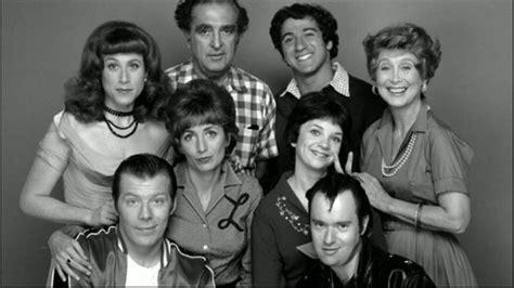 shirley cast tv cast reunions laverne and shirley cast reunites on