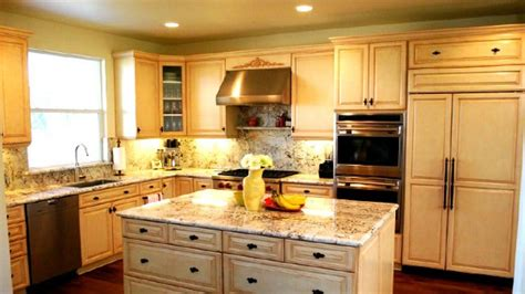 Companies That Refinish Kitchen Cabinets Nyc Area Cabinet Refacing Companies Offer Their Advice Angie S List
