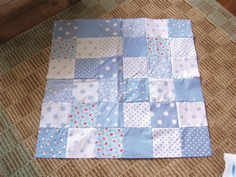 How To Make A Simple Patchwork Quilt - make a patchwork quilt the easy way turquoise textiles
