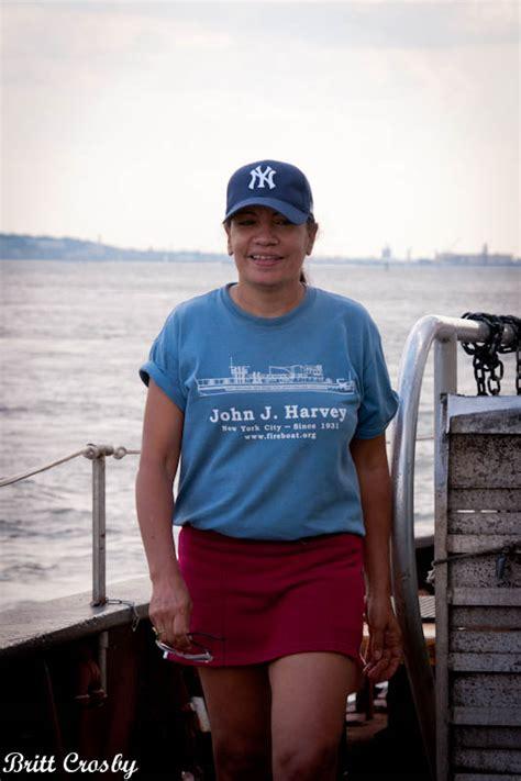 fdny fireboat john j harvey fdny visit 2011