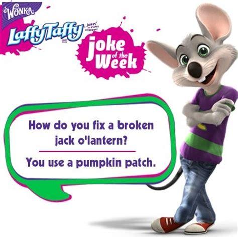 halloween themed jokes pin by chuck e cheese on laffy taffy joke of the week