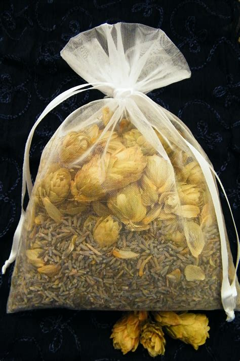 Hop Pillow by Dried Lavender And Hop Pillow Make Dried Flower Crafts