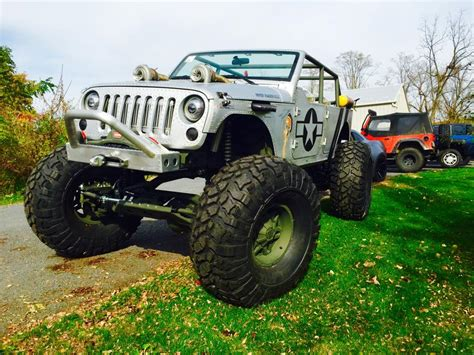 Jeep Theme Wwii Themed Jeep Has Machine Gun Turbos And Riveted