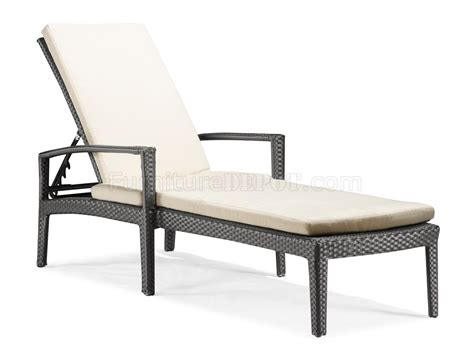 Modern Outdoor Lounge Chair by Black White Modern Outdoor Bathing Lounge Chair