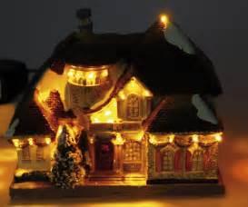 weihnachtshaus mit led beleuchtung heitronic led weihnachtshaus deko mit led beleuchtung