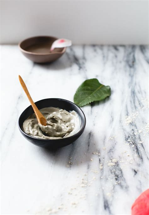 diy moisturizing mask vegan cuts check out moisturizing diy clay mask it s so easy to make diy clay masks and masking