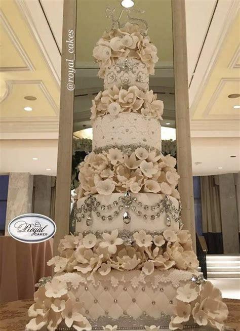 Big Wedding Cakes by Best 25 Big Wedding Cakes Ideas On Wedding