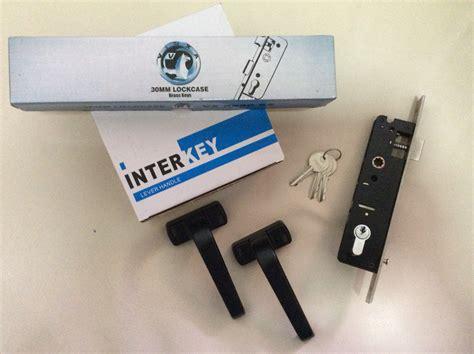 Kunci Pintu Merk Jass jual beli kunci pintu frame aluminium 84030 merk vx handle pintu bahan aluminium black