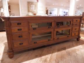 Antique Kitchen Furniture by Antique Kitchen Island Traditional Kitchen Islands And