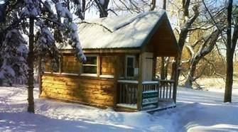 small log cabin rentals small winter cabin small mountain