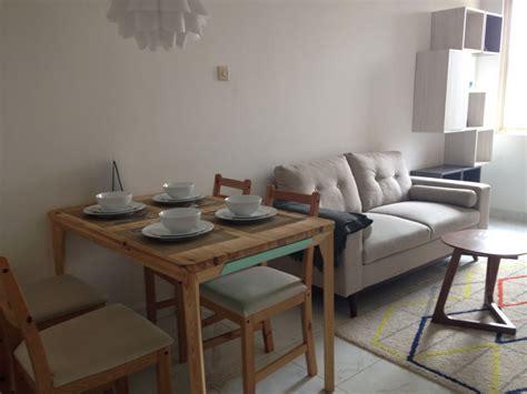 Meja Makan Keramik mendesain rumah tipe 36 dengan gaya minimalis properti