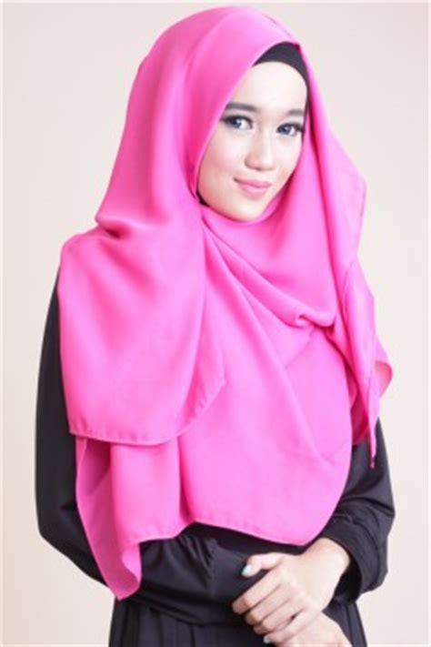 Jilbab Segi Empat Amora Grey shafeeya segi empat cathlin fanta jilbab kerudung