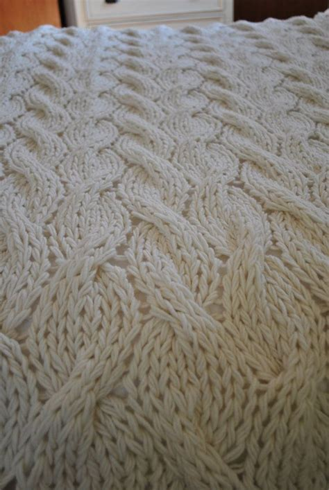 cable knit blanket king size 15 must see cable knit blankets pins cable knitting