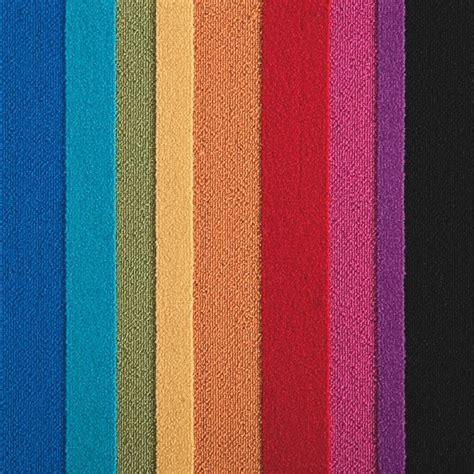 teppich auf fliesen parallel reality rainbow carpet tile eclectic carpet