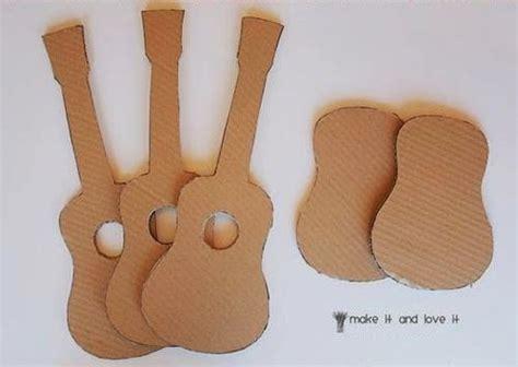 membuat kapal mainan dari barang bekas crafts from cardboard used guitar making toys