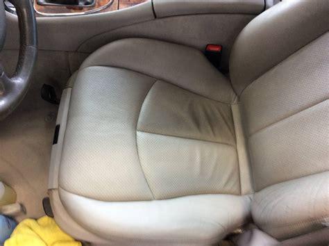 entretien siege cuir voiture nettoyage des cuirs voiture 224 bordeaux clean autos 33