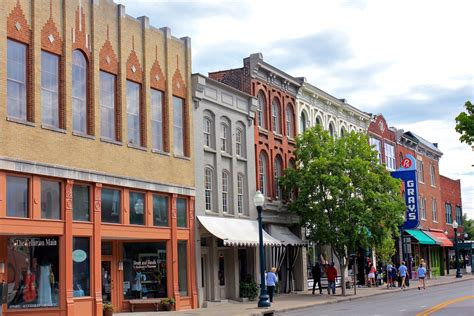 best small towns to live in 15 best small towns in tennessee nice small towns to