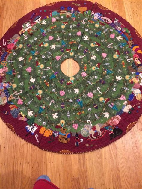 17 best images about tree skirt ideas on pinterest table