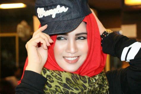 tutorial pashmina babat si cantik atika sari bergaya hijab casual trendi dream co id