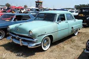 picture of 1953 ford customline 4d sedan