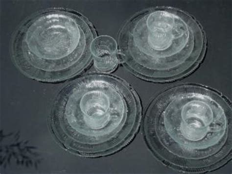 Dusdusan Amethyst Complete Serving Set glass dishes and serving pieces