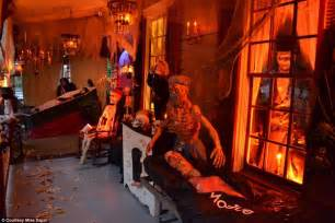 Decorate My Living Room the most creative halloween decorations across america