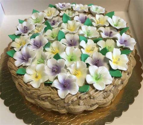 torte pasta di zucchero con fiori torta decorata cestino di fiori lalunanellamiacucina