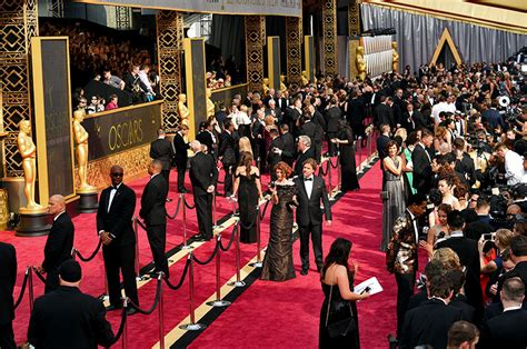 Es Oscar Carpet Coverage by Oscars Carpet Drama E Cnn Fuming Abc S