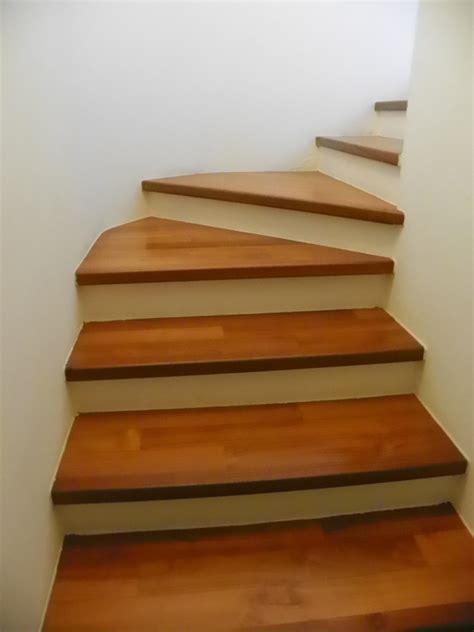 rivestimento scala in legno scale in legno zanfi pavimenti