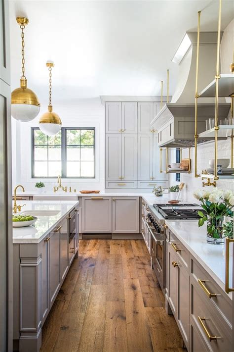 dana s favorite finds inspired by transitional style kitchen design ideas what s your focus iwilldecor