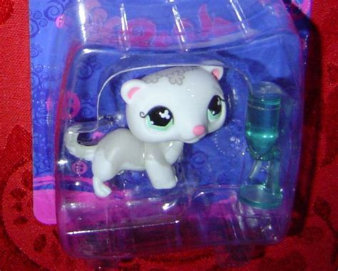 Pet Shop Singles A Ferret littlest pet shop ferret single 579 lps lps pet shop
