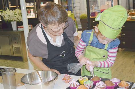 cours cuisine parent enfant la cuisine un jeu pour parents et enfants la croix