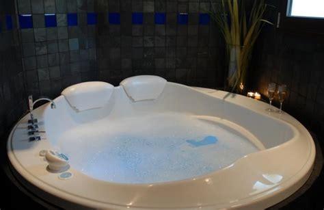 azulejo para jacuzzi hoteles con jacuzzi privado en la habitaci 243 n en m 225 laga