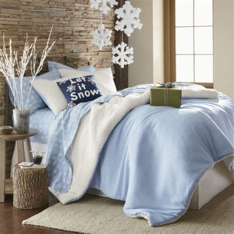 decorate bedroom christmas 32 adorable christmas bedroom d 233 cor ideas digsdigs