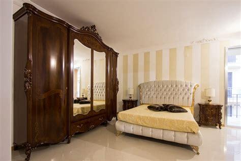 signorini e coco camere da letto da letto classica in piuma di noce collezione