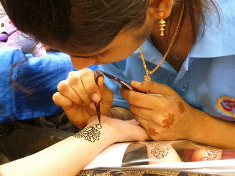 tattoo singapore little india artisan henna tattoo artist little india singapore