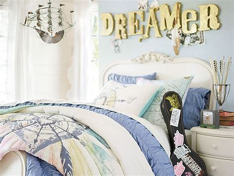 junk bedroom makeover junk wanderlust bedroom http www pbteen shop