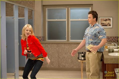 emma stone icarly emma stone on icarly first look photo 502402