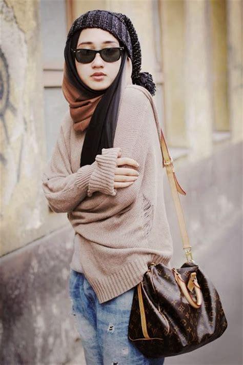 contoh gaya berpose dian pelangi contoh baju muslim rancangan dian pelangi fashionable