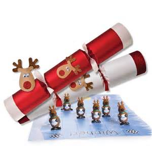 racing reindeer christmas crackers 32cm 12 5in peeks