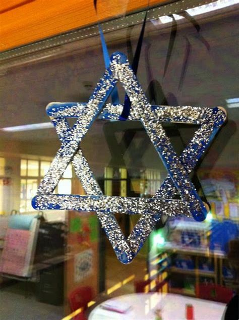 hanukkah crafts popsicles sparkling and glitter on