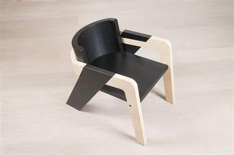 Elegant Self Assembly Io Chair Designed For Introspection | elegant self assembly io chair designed for introspection