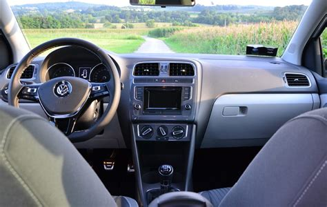 interni polo 2014 volkswagen polo 1 0 75 cv 5p prova su strada panoramauto