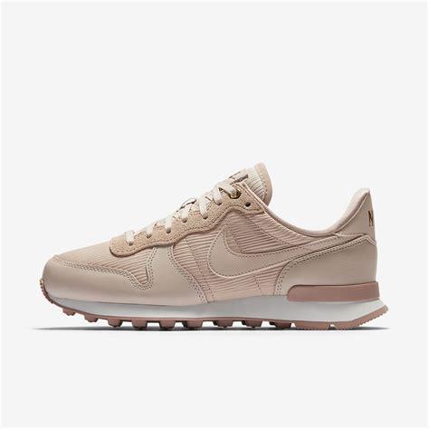 Nike Premium by Nike Internationalist Premium S Shoe Nike Ae