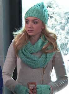 Emma s grey zipped coat and turquoise gloves scarf and beanie on